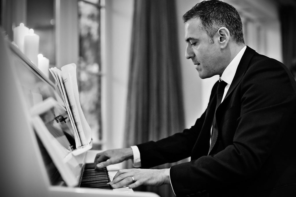 Pianist For Hire - Bryan Edery