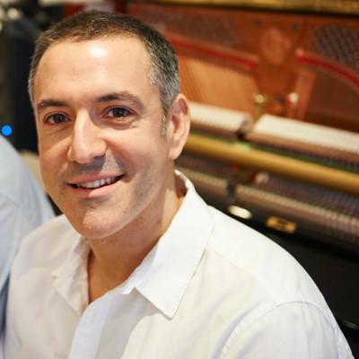 Bryan Edery London Pianist - With Upright Yamaha Piano