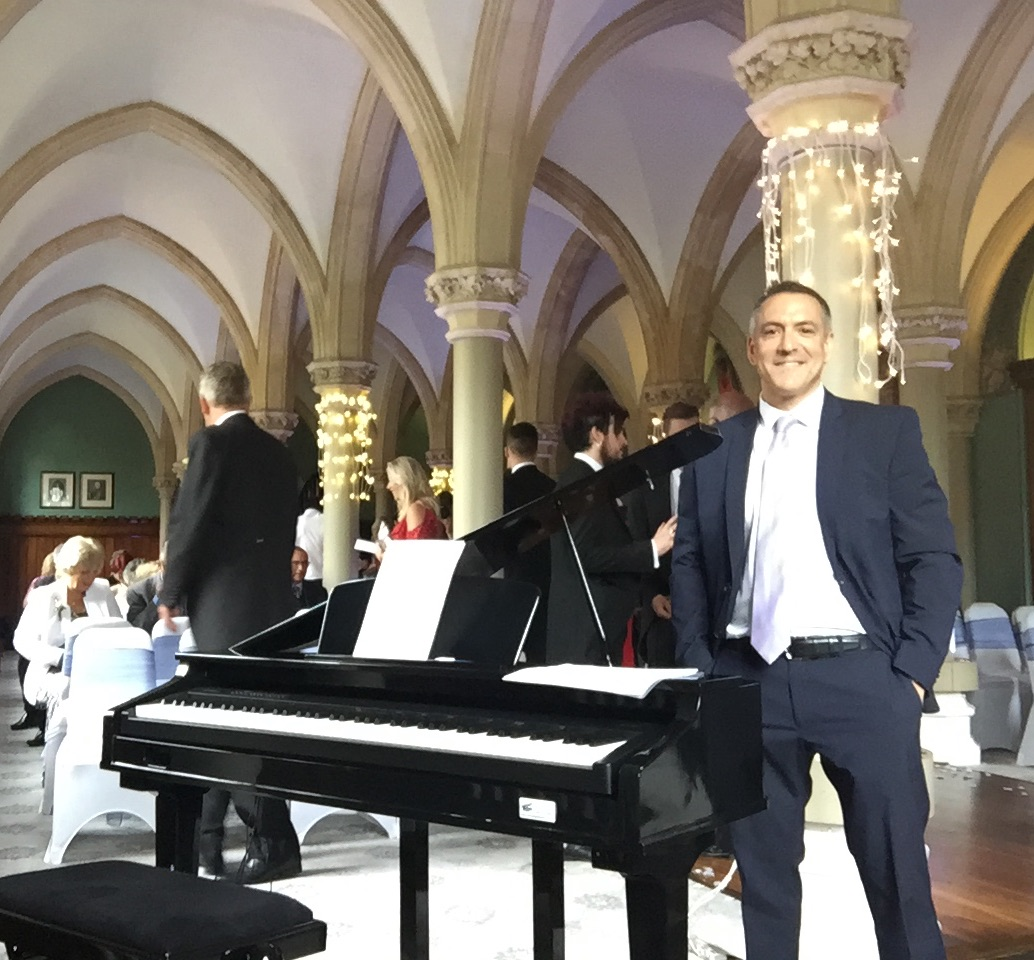 Dale-and-Abs-wedding-pianist-London