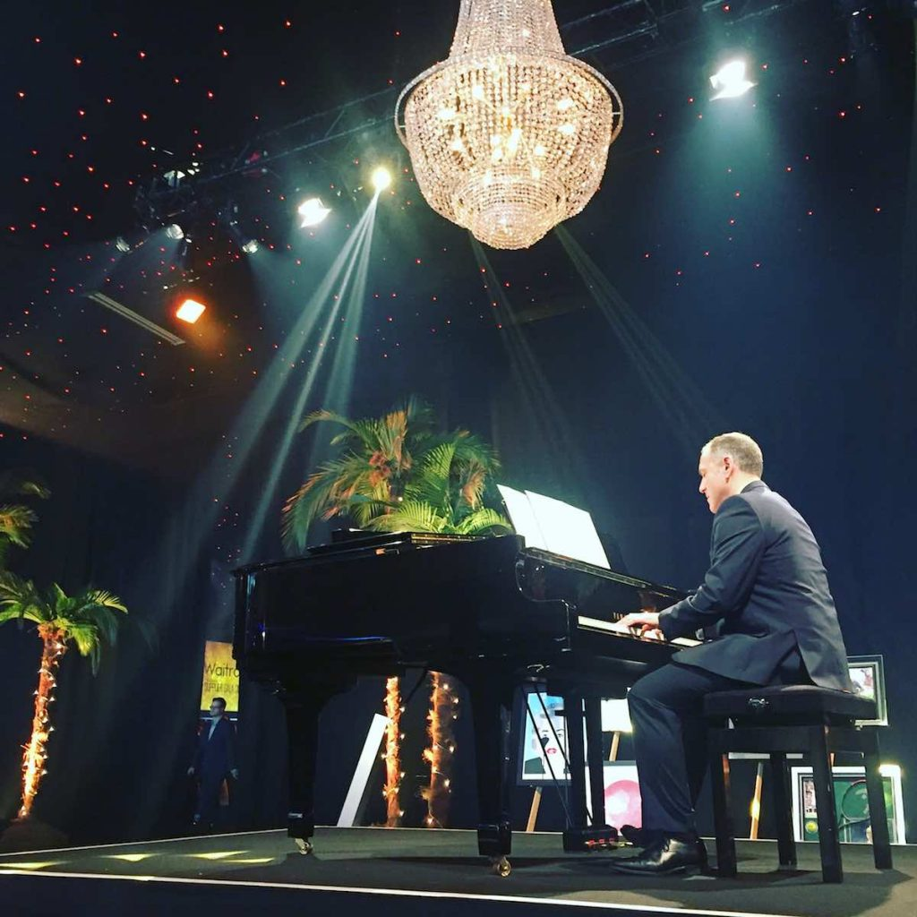 pianist-for-hire-vintage-jazz-set-corporate-event-Waitrose-supplier-gala-dinner-2017