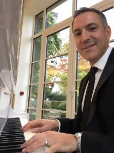 Wedding pianist Bryan Edery