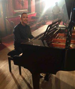 London session pianist