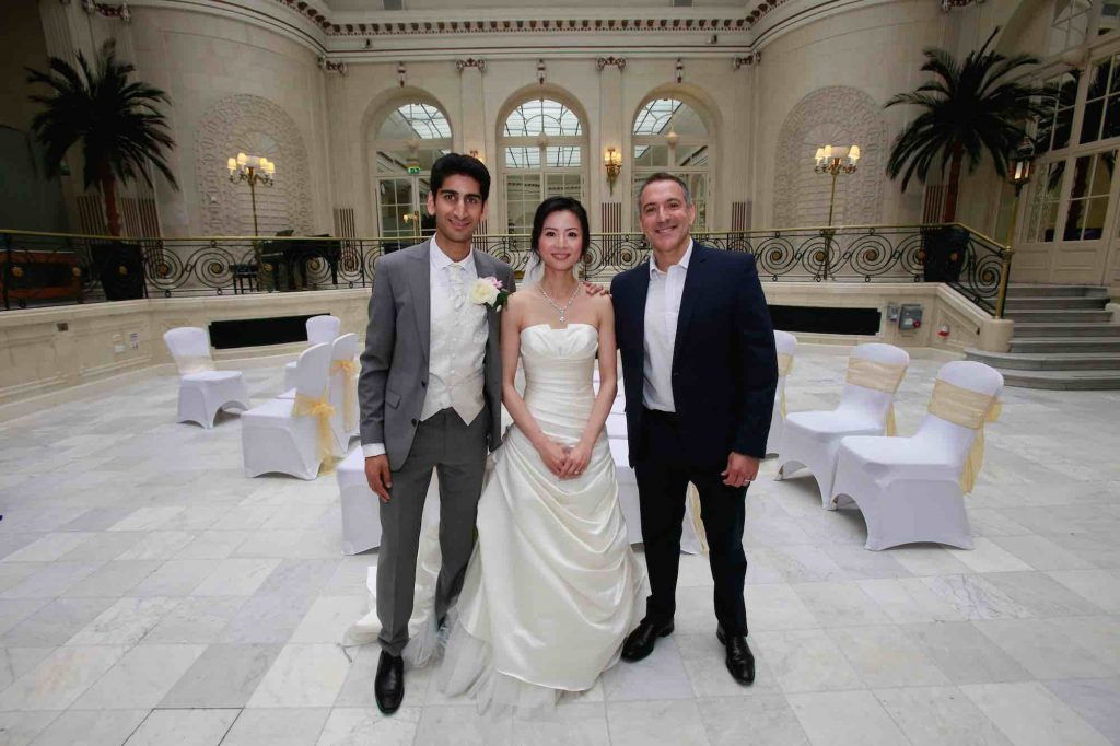 wedding-ceremony-pianist-and-bride-and-groom-palm-court-waldorf-hotel-london