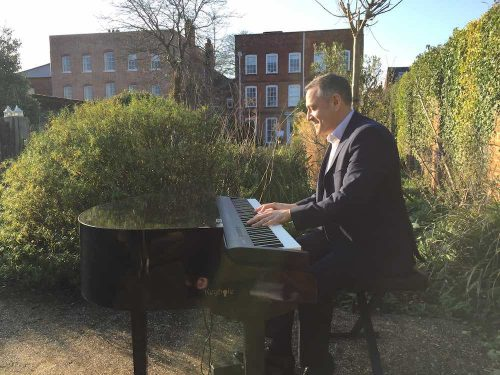portable-baby-grand-piano-outdoor-drinks-reception-farnham-museum-4