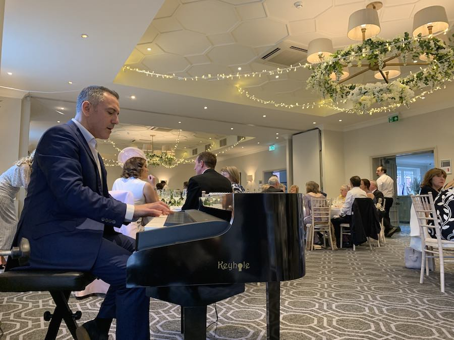 pianist-wedding-breakfast-wotton-house-baby-grand-piano