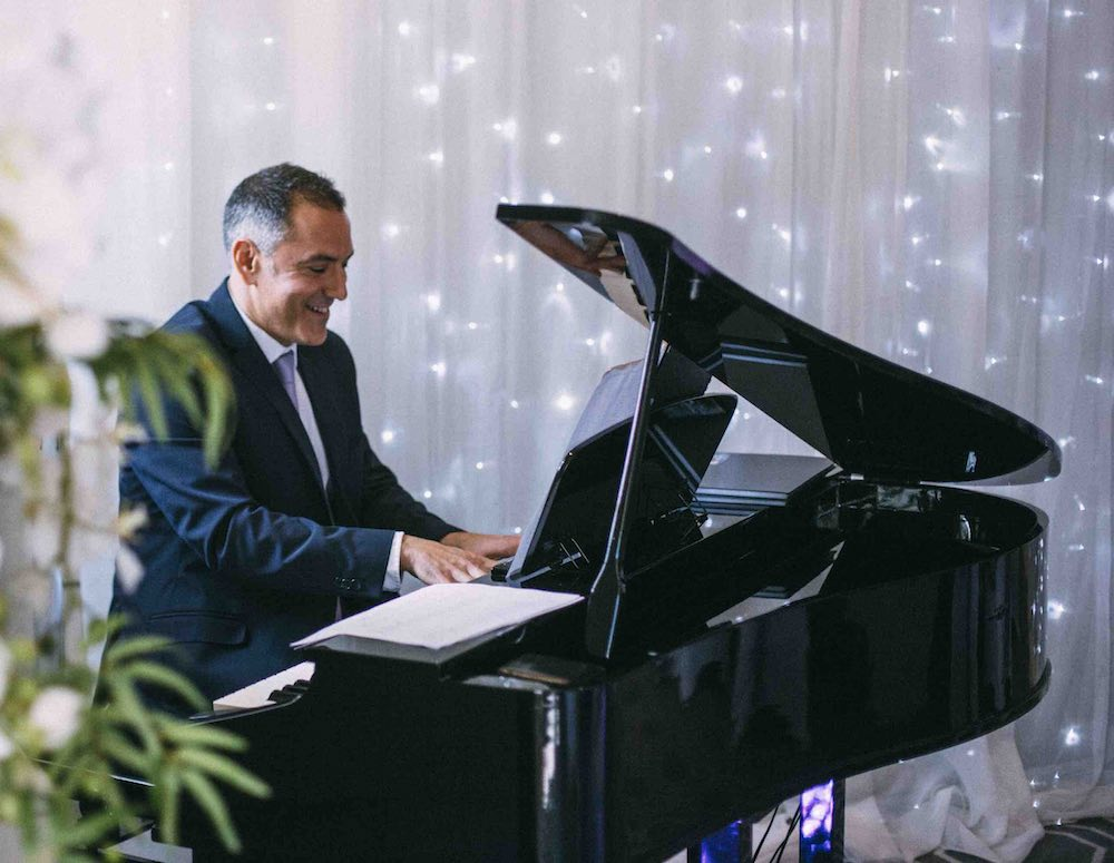 herts-wedding-pianist-bryan-edery-wedding-breakfast